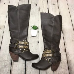 NEW Not Rated Colada boots sz 6